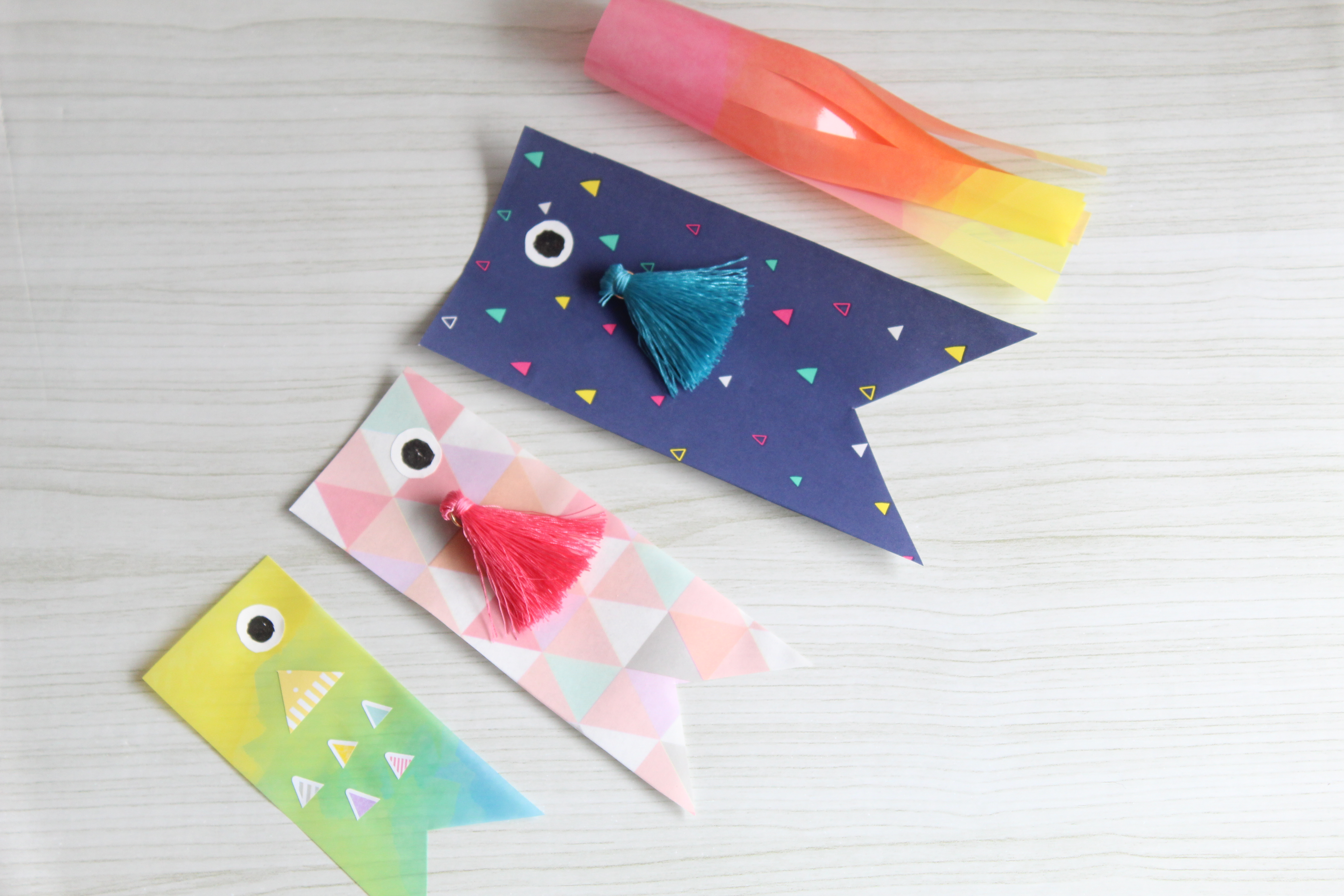こどもの日 - 100均一簡単!簡単で可愛い&おしゃれな「鯉のぼり・兜」の飾りつけ・ガーランドの手作り